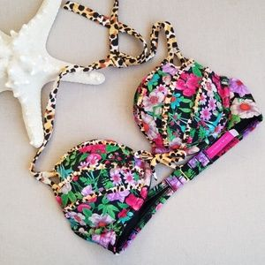 Victoria's secret push-up bikini top 32b